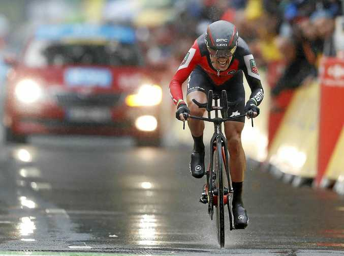 epa06060424 BMC Racing Team rider Richie Porte of Australia in action during the 1st stage of the 104th edition of the Tour de France 2017 cycling race, an individual time trial over 14Km in Duesseldorf, Germany, 01 July 2017.  EPA/GUILLAUME HORCAJUELO
