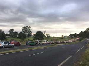 Traffic chaos, delays after New England Hwy car crash