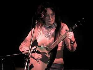 Banjo player picks up skills for writing plays