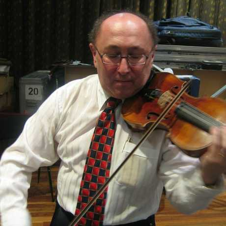 Andrew Russek was once a professional violinist who nearly lost his sight to glaucoma.