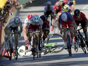 World Champion kicked off Tour after throwing elbow