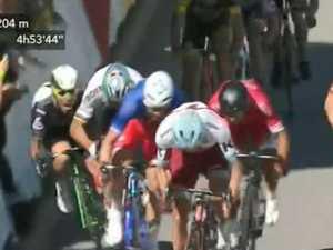 Sagan, Cavendish tangle in Tour de France