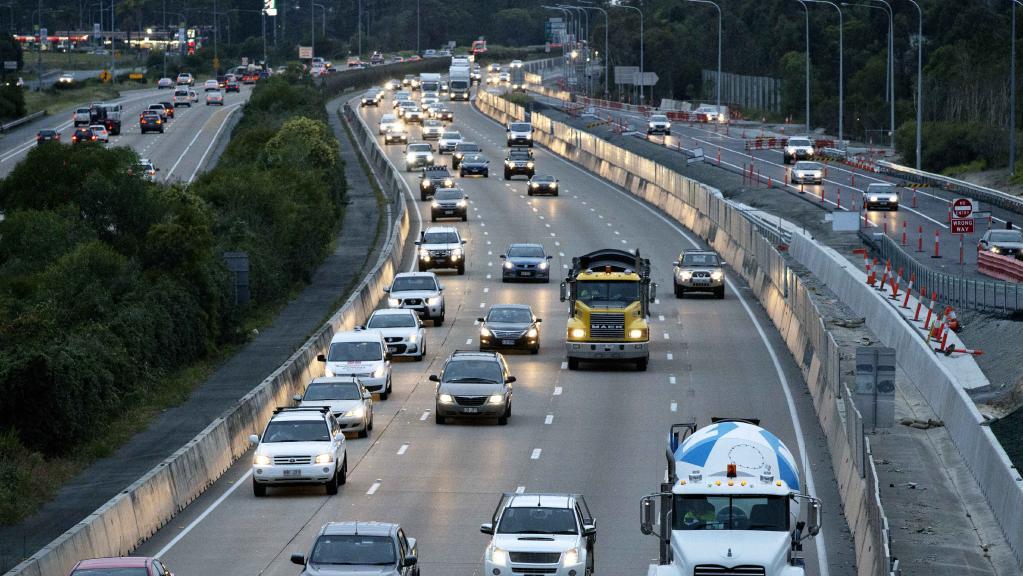 Traffic at Exit 54 along the M1 at Coomera. Photo: Jerad Williams
