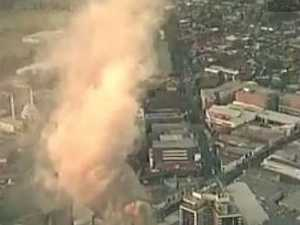 Fire engulfs shopping centre