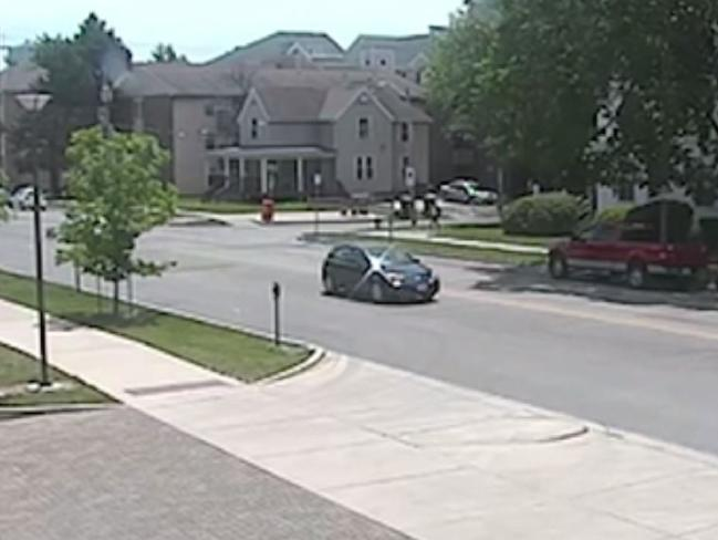 The black Saturn Astra that Yingying Zhang got into caught on CCTV.