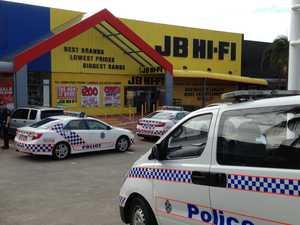 UPDATE: Police investigate JB Hi-Fi bomb scare