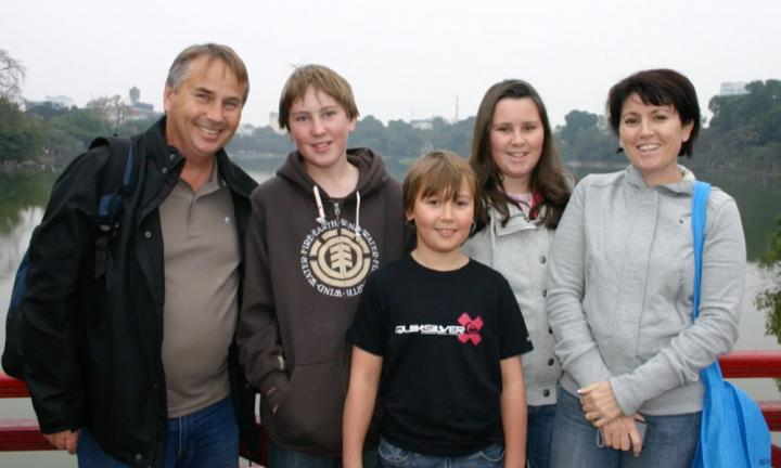The family of five before tragedy struck. Ralph, Thomas, Stuart, Madeleine and Kathy Kelly. Image: 60 Minutes.
