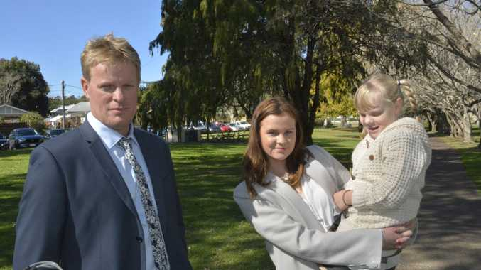 Lead plaintiff in the class action Brad Hudson and his daughters Megan Hudson, 16, and Amba Hudson, 6. Oakey groundwater contamination class action filed by Shine Lawyers.