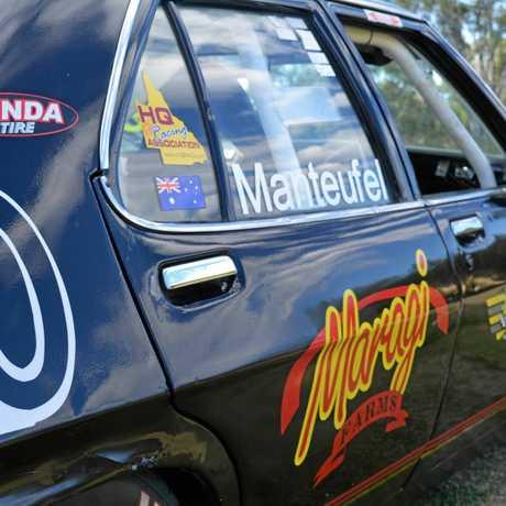 Craig and Jayden Manteufel race a 1974 Holden HQ.