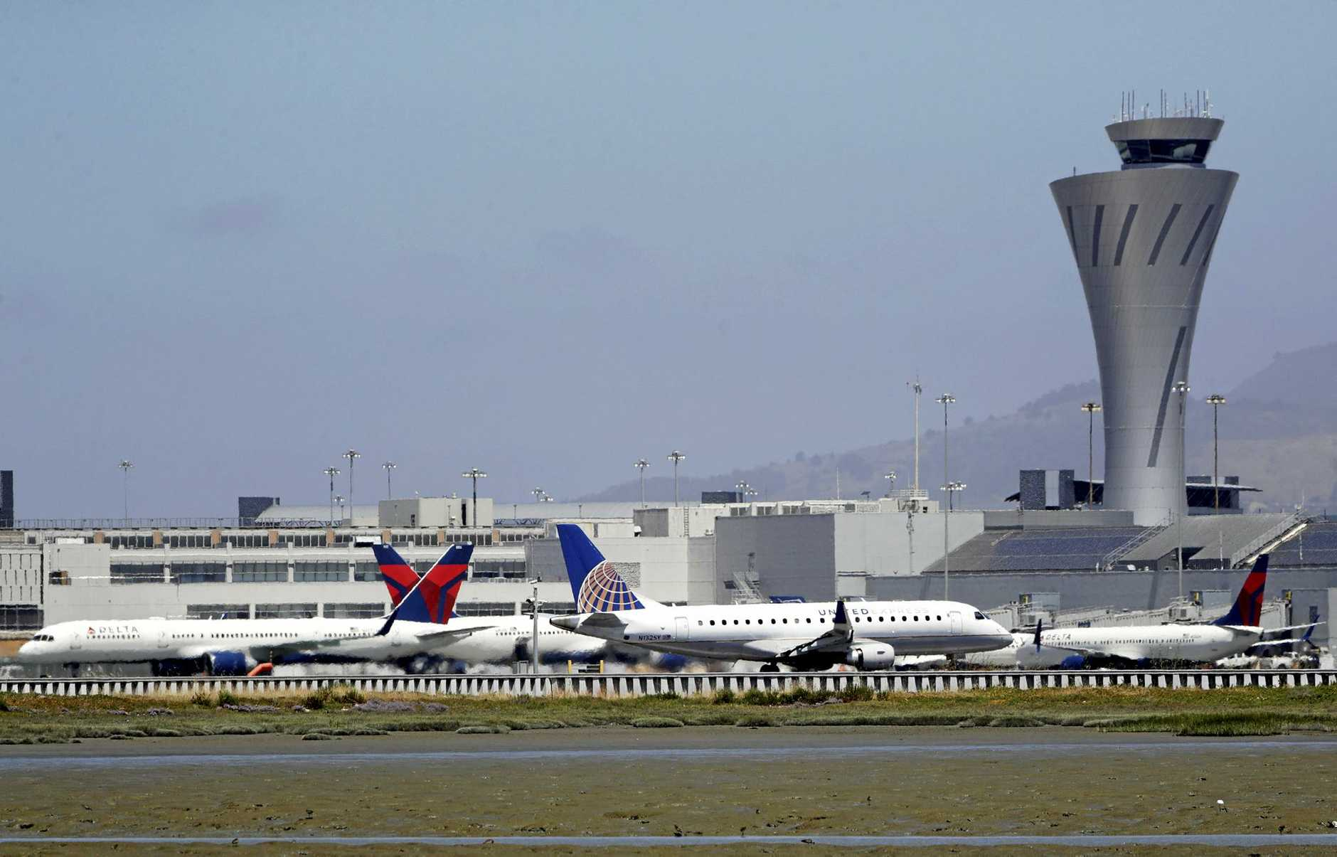 A pilot seeking to land at San Francisco International Airport has