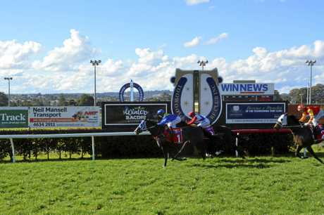 National Trail arrives in time for apprentice Corey Bayliss to defeat Mishani Shiraz in today's Class 4 Handicap at Clifford Park.