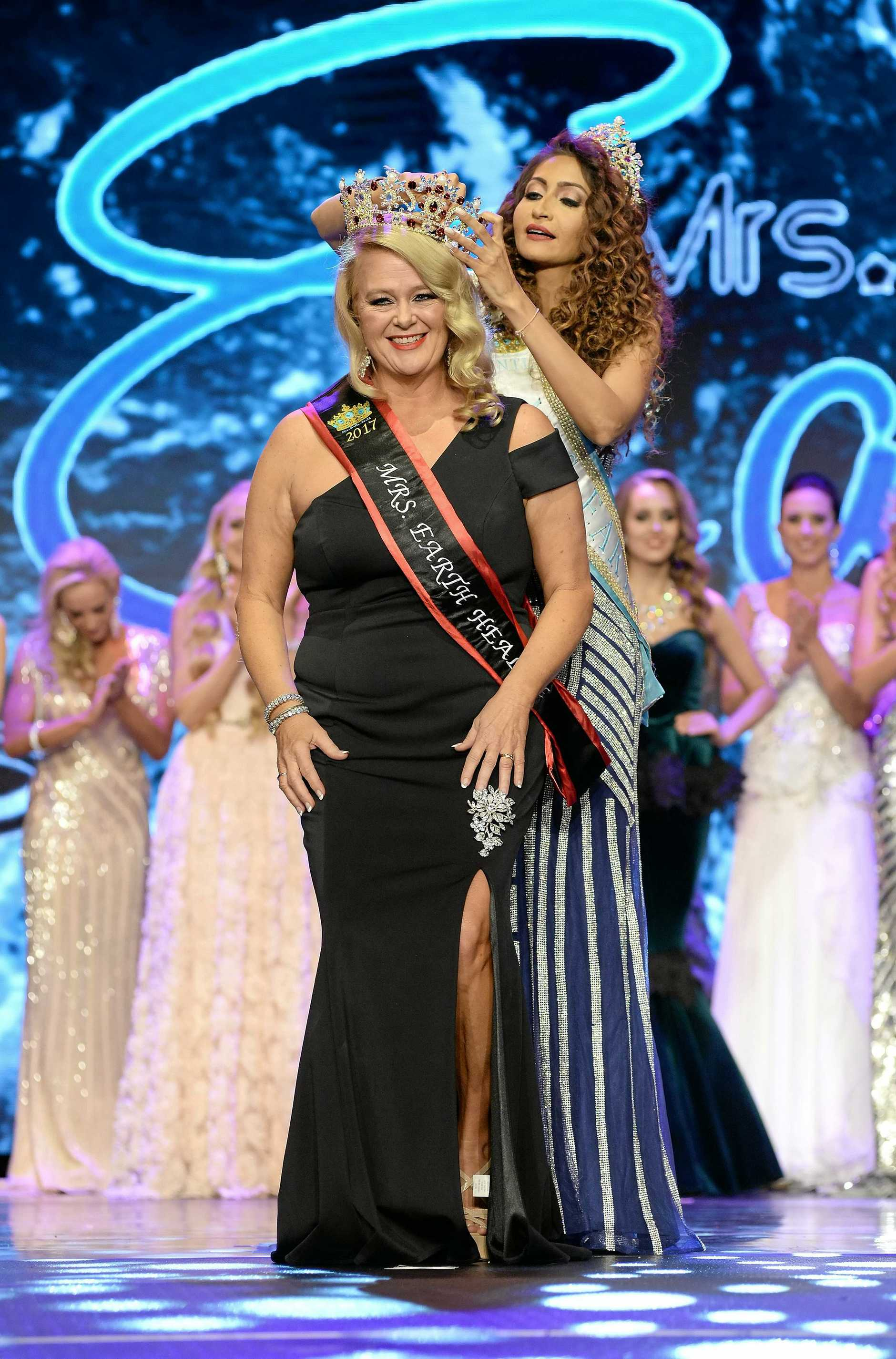 Gold Coast dynamo Suzi Dent carries off a third place in the Mrs Earth Health 2017.