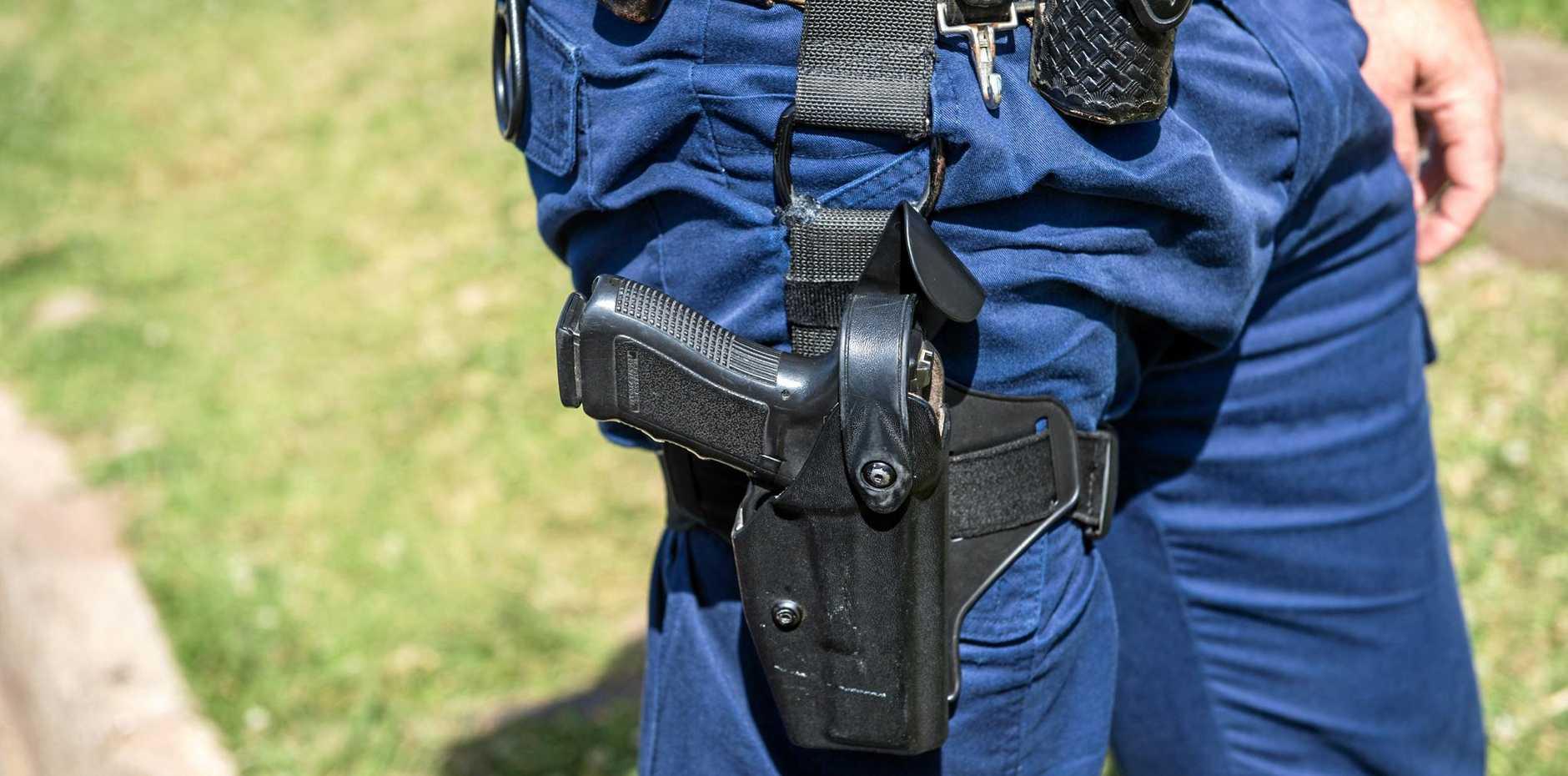 Man throws handgun in Sydney St shop after argument