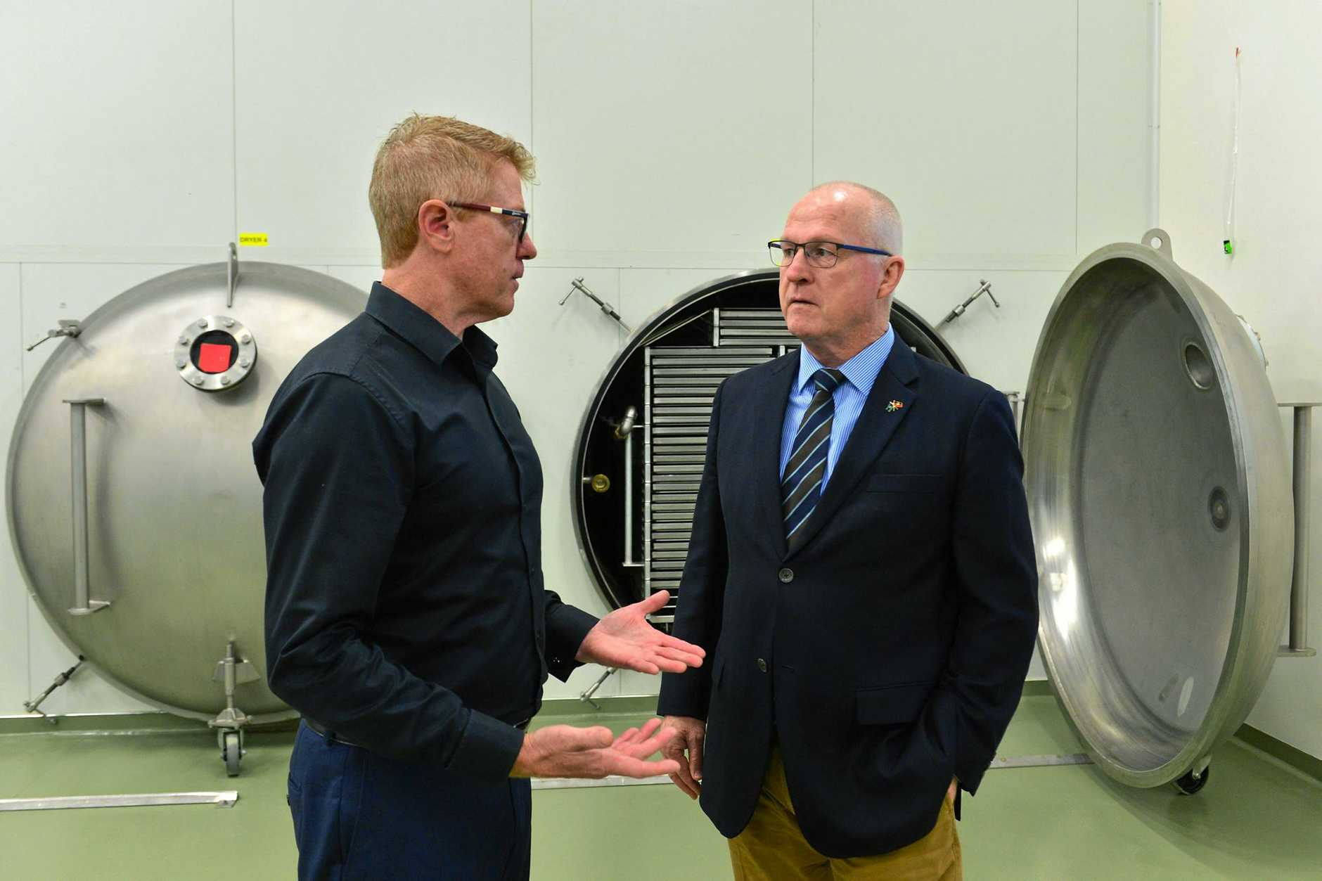 Freeze Dry Industries CEO and founder Michael Buckley chats with Sunshine Coast Mayor Mark Jamieson about the facility.