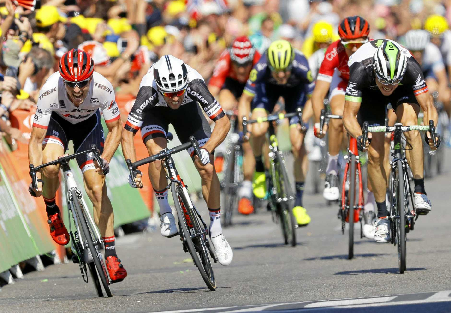 Matthews, Team Dimension Data rider Edvald Boasson Hagen (R) of Norway and Trek Segafredo team rider John Degenkolb (L) of Germany sprint for the win