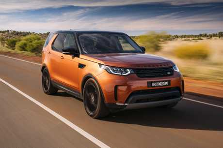 Photo of the 2017 Land Rover Discovery