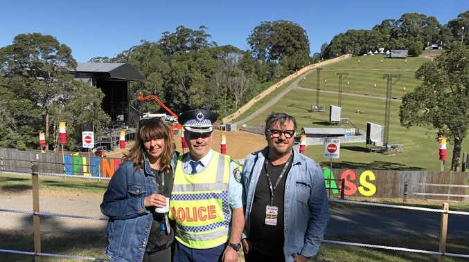 GETTING READY: Splendour 'siJessica Ducrou (left) and Paul Piticco (right) with Police Commander for Splendour Gary Cowan.