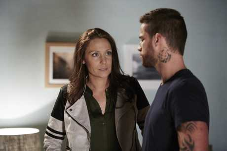 Lisa Gormley and Dan Ewing in a scene from Presto's Home and Away telemovie An Eye for An Eye.