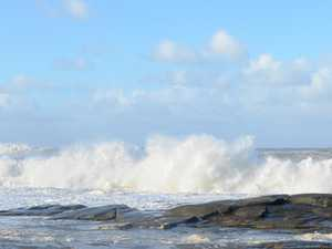 BIG SURF: Warning for large swell as heat continues