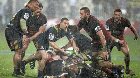 The Highlanders' Kayne Hammington passes during the Super Rugby quarter-final against the Crusaders.