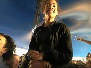 Cindy Lee of Lismore on shoulders at Splendour In The Grass.