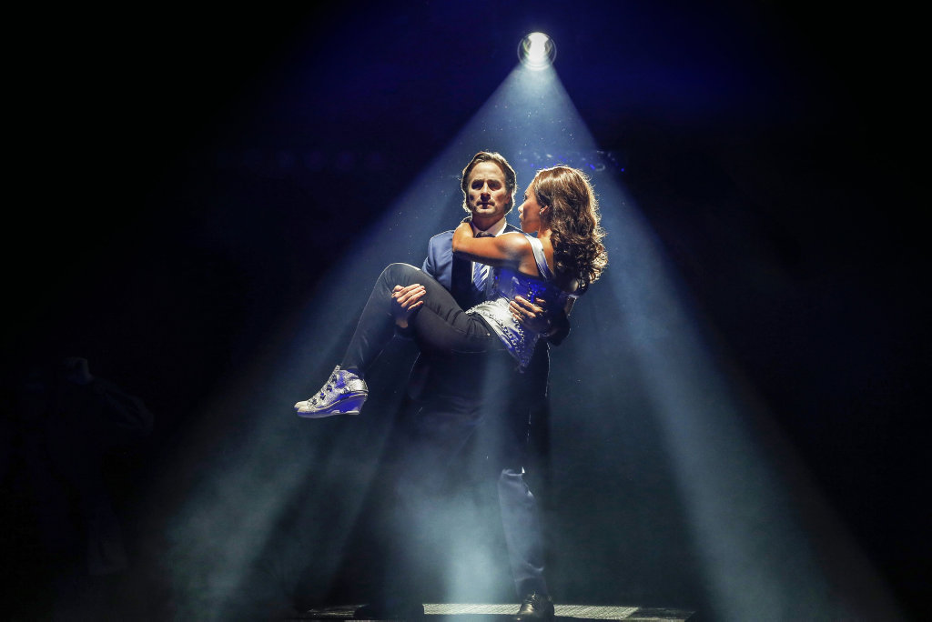 Kip Gamblin and Paulini in a scene from the musical The Bodyguard.