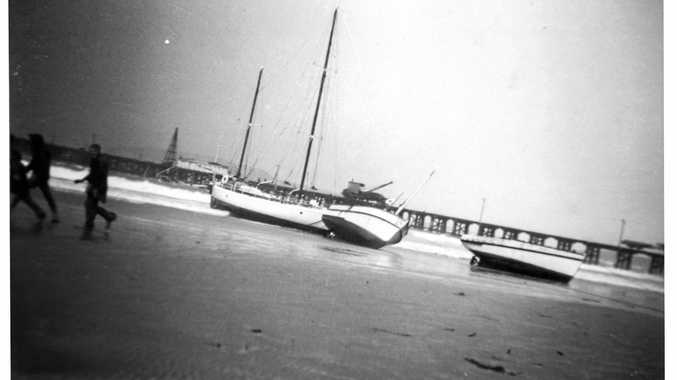Old photos of Coffs Jetty.