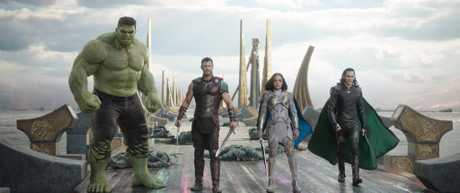 Mark Ruffalo (as Hulk), Chris Hemsworth, Tessa Thompson and Tom Hiddleston in a scene from the movie Thor: Ragnarok.