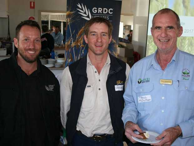 GRDC northern panel member and Chinchilla grower Arthur Gearon (left) spent the morning tea break in good company at the recent GRDC Update at Westmar, catching up with Steve Ruddy, Landmark Dalby (centre) and Paul McIntosh, Pulse Australia/AHRI, Toowoomba.