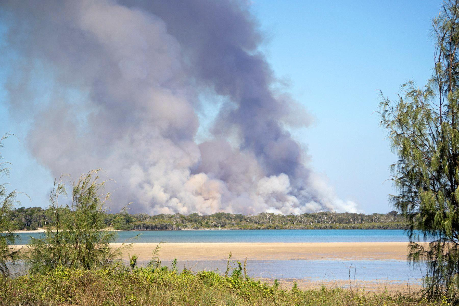 SMOKE: Photos taken from Elliott Heads between 10 & 11 am today in vicinity of Kinkuna National Park.