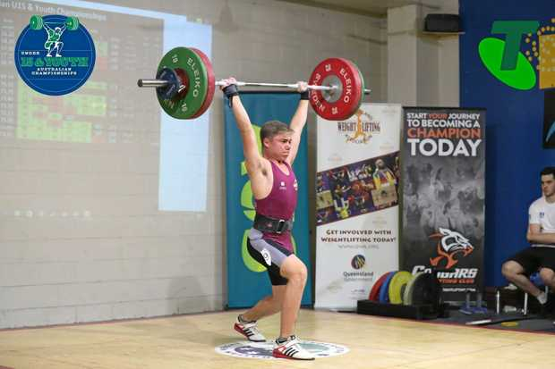 Jaspa Hope breaking the Queensland record with a 104kg clean and jerk.