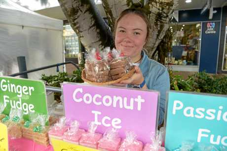Caloundra Street Fair. Tanya Armstrong from Eumundi Fudge.