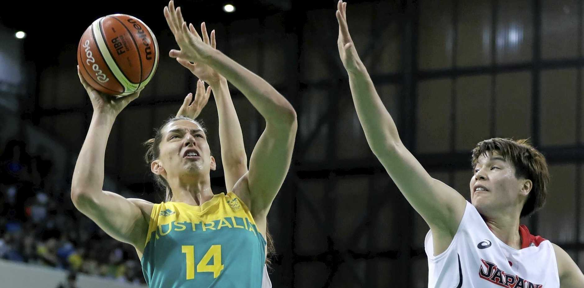 Marianna Tolo playing for the Opals.