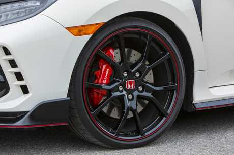 The 2017 Honda Civic Type R (overseas model shown).