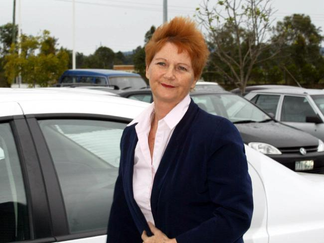 Judy Smith visiting her sister Pauline Hanson in prison in 2003.
