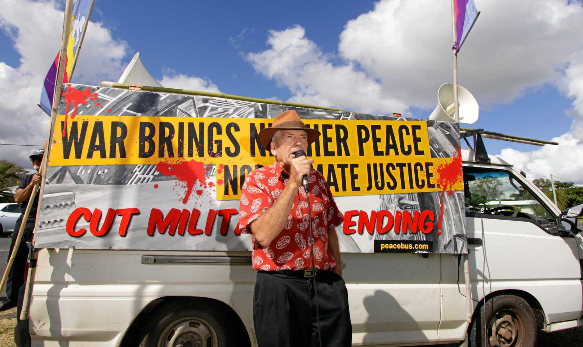 Anti-war protester Graeme Dunstan outside the Western Street barracks during Exercise Talisman Sabre.   Photo: Chris Ison / The Morning Bulletin