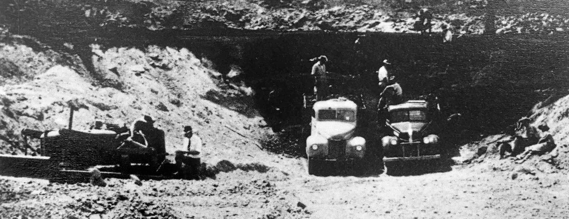 Council work crews at the coal face in 1949.