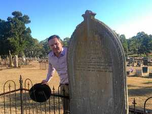 Shadow Treasurer finds Welsh family gravestone in CQ