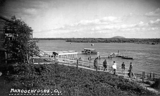 Private jetties along the banks of the Maroochy River in 1920.