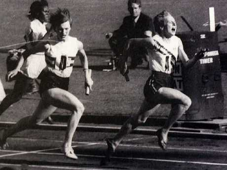 Betty Cuthbert holds off the Brits to lead the Aussies to gold in 1956.