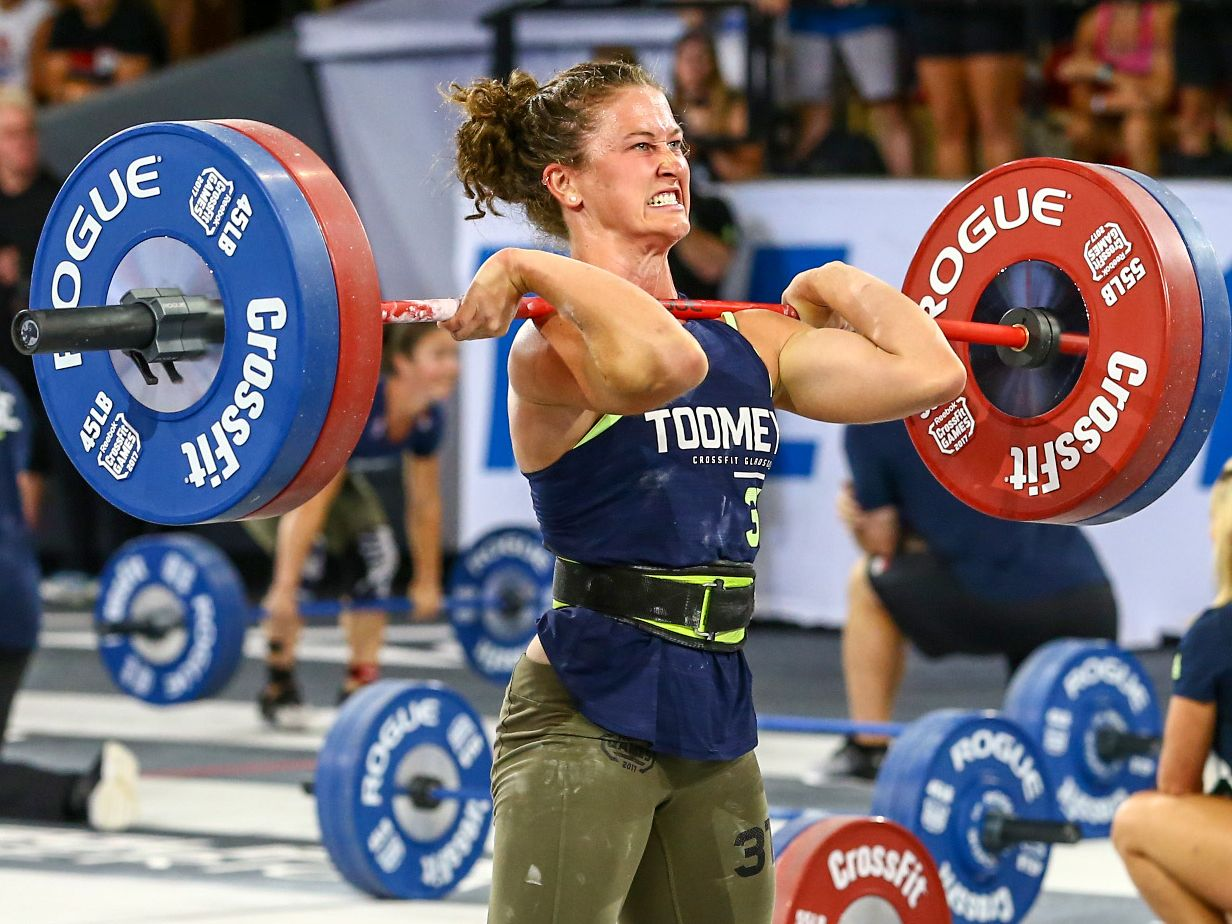 Tia-Clair Toomey heads for victory at the 2017 CrossFit Games.