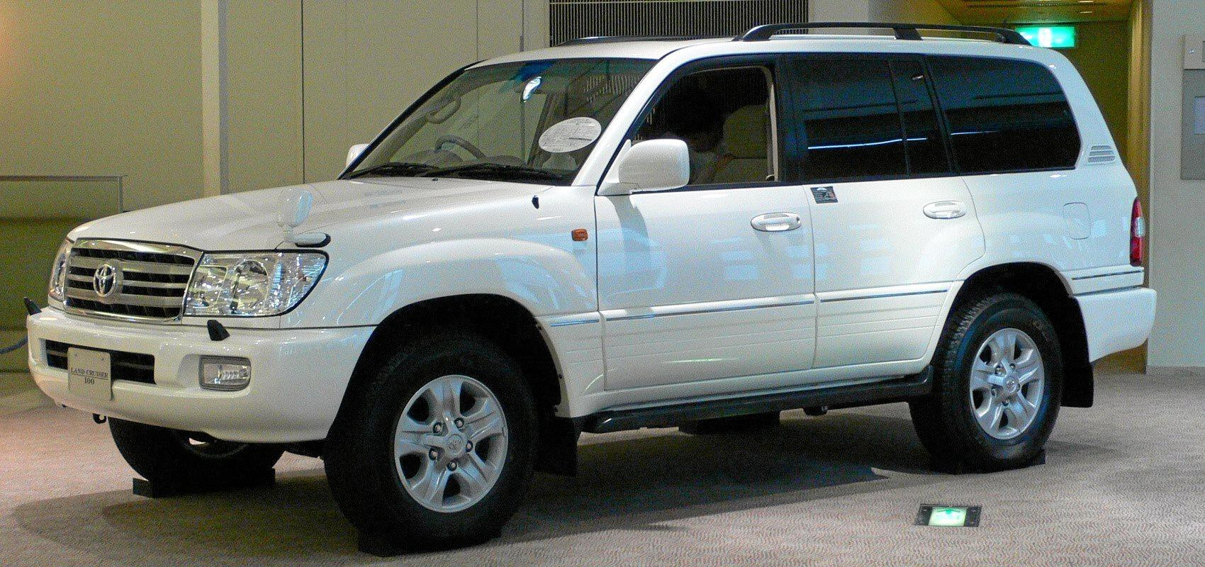 Police are looking for information about the owner of a vehicle, that is the same make as the car pictured.