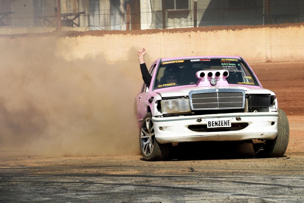 Maryborough Speedway, burnout competition - John Dodd in Benzene.