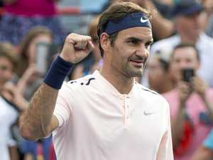 Federer keeps extraordinary winning streak alive