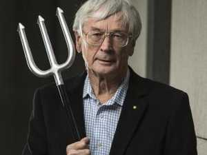 Dick Smith declares ABC 'treasonous', launches attack ads