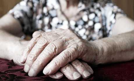 413,000 Australians live dementia.