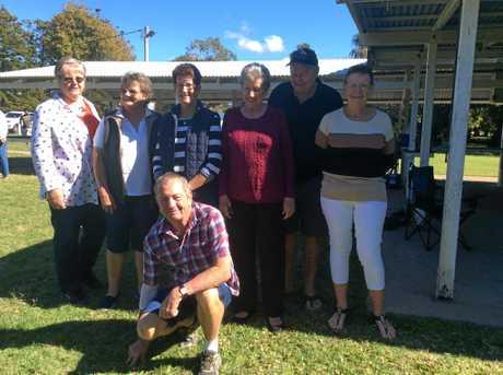 Colleen Busk, Diane Lingard, Bronwyn Banks, Del Lockyer, Frank Lockyer, Colleen Hughes, and Errol Lingard (front).