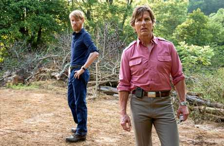 FOR REVIEW AND PREVIEW PURPOSES ONLY.  Domhnall Gleeson and Tom Cruise in a scene from the movie American Made. Supplied by Universal Pictures.