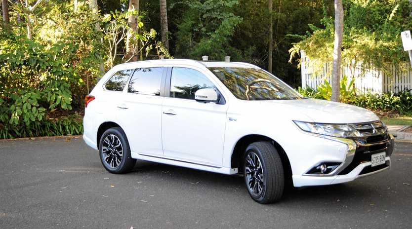 Road Test 2017 Mitsubishi Outlander Phev