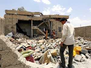 Saudi keeps up airstrikes - killing 60 in Yemen